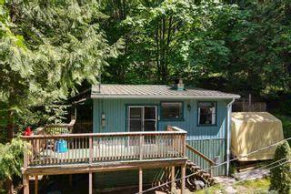 Photo 5: 5741 NAYLOR Road in Sechelt: Sechelt District House for sale (Sunshine Coast)  : MLS®# R2594105