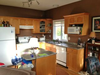 "Photo 2: 536 COTTONWOOD Avenue: Harrison Hot Springs House for sale in ""HARRISON HOT SPRINGS VILLAGE"" : MLS®# H1400262"