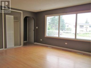 Photo 8: 807 5th Street in Hines Creek: House for sale : MLS®# A1131931