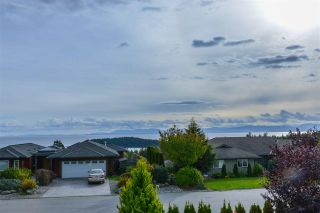 Photo 2: 6226 MIKA Road in Sechelt: Sechelt District House for sale (Sunshine Coast)  : MLS®# R2545092
