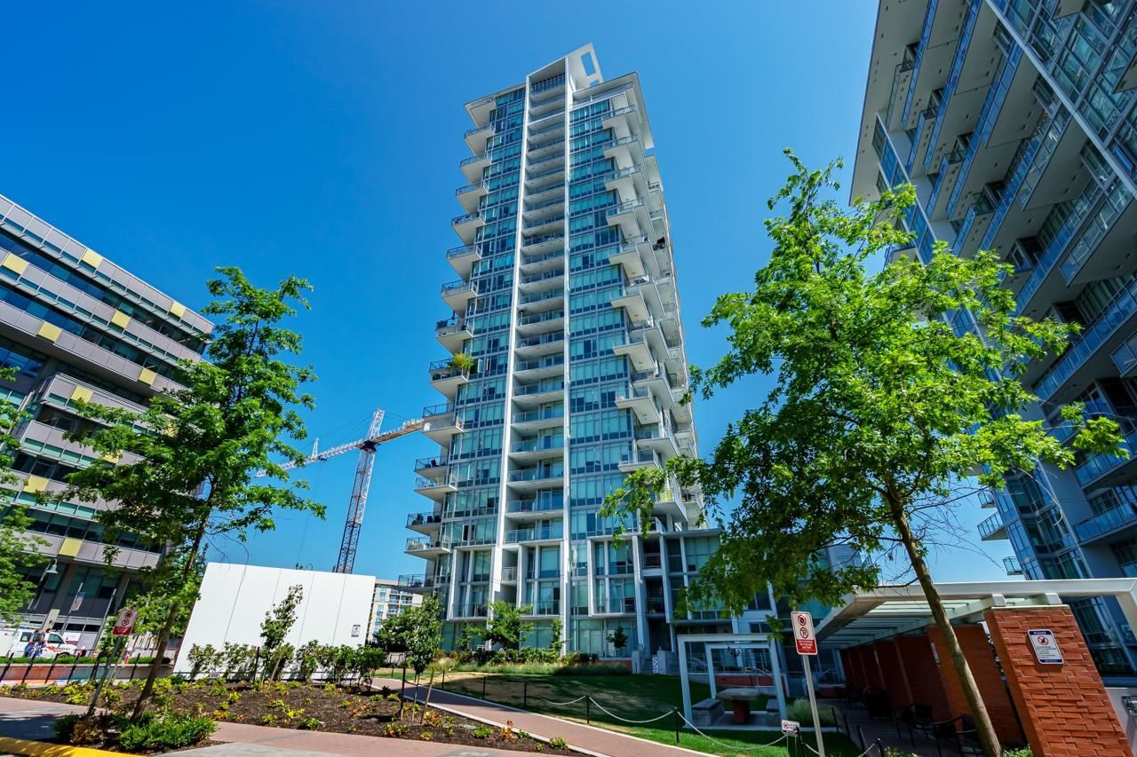 """Main Photo: 202 258 NELSON'S Court in New Westminster: Sapperton Condo for sale in """"THE COLUMBIA"""" : MLS®# R2613389"""