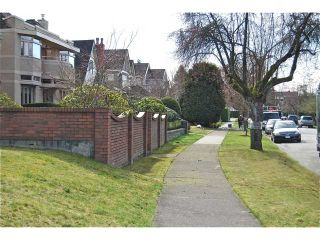 Photo 9: 4742 ELM Street in Vancouver: MacKenzie Heights House for sale (Vancouver West)  : MLS®# V878692