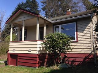 Photo 1: 354 HEADLANDS Road in Gibsons: Gibsons & Area House for sale (Sunshine Coast)  : MLS®# R2155776