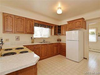 Photo 9:  in VICTORIA: OB Henderson House for sale (Oak Bay)  : MLS®# 606914