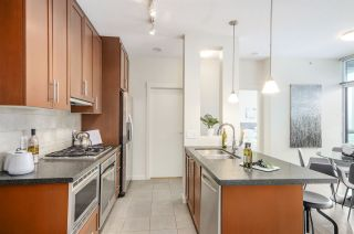 """Photo 10: 3102 1189 MELVILLE Street in Vancouver: Coal Harbour Condo for sale in """"THE MELVILLE"""" (Vancouver West)  : MLS®# R2457836"""