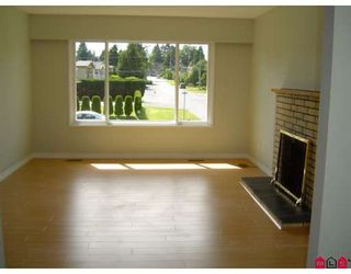 """Photo 2: 9236 119A Street in Delta: Annieville House for sale in """"Annieville"""" (N. Delta)  : MLS®# F2819781"""