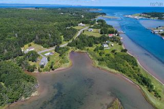 Photo 7: 696 Point Aconi Road in Point Aconi: 207-C. B. County Residential for sale (Cape Breton)  : MLS®# 202120612