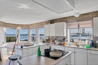 Photo 2: 581 S Alder St in : CR Campbell River Central House for sale (Campbell River)  : MLS®# 870510