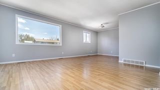 Photo 2: 1123 Athabasca Street West in Moose Jaw: Palliser Residential for sale : MLS®# SK869604