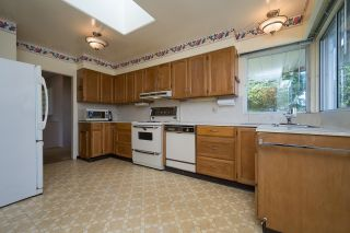 Photo 11: 5640 SARDIS Crescent in Burnaby: Forest Glen BS House for sale (Burnaby South)  : MLS®# R2617582
