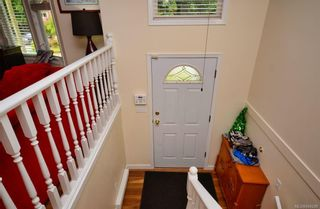 Photo 2: 3279 Sedgwick Dr in Colwood: Co Triangle House for sale : MLS®# 844298