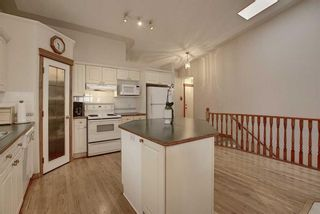 Photo 7: 13 Strathearn Gardens SW in Calgary: Strathcona Park Semi Detached for sale : MLS®# A1114770