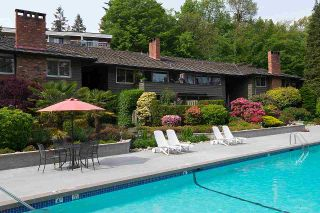 """Photo 24: 104 235 KEITH Road in West Vancouver: Cedardale Townhouse for sale in """"SPURAWAY GARDENS"""" : MLS®# R2518546"""