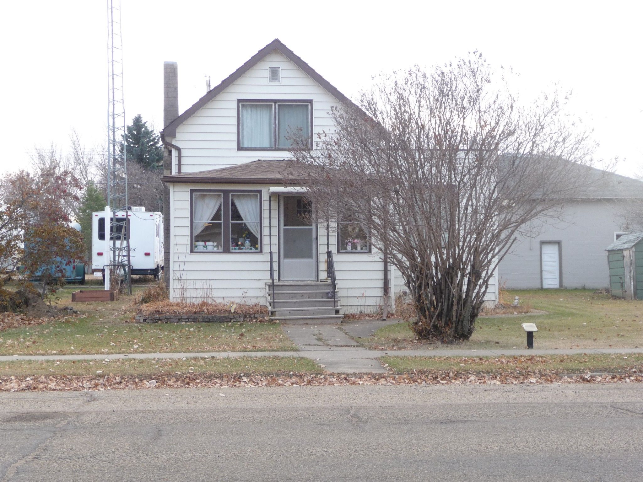 Main Photo: 5131 53 Avenue in Viking: House for sale