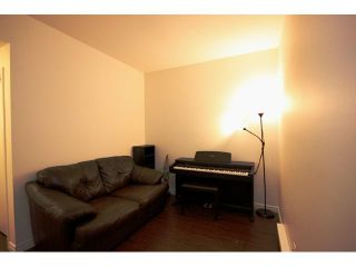 """Photo 9: 6727 VILLAGE Grove in Burnaby: Highgate Townhouse for sale in """"MONTEREY"""" (Burnaby South)  : MLS®# V977948"""