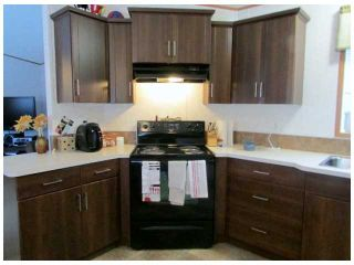 """Photo 2: 8611 79A Street in Fort St. John: Fort St. John - City SE Manufactured Home for sale in """"WINFIELD ESTATES"""" (Fort St. John (Zone 60))  : MLS®# N241138"""