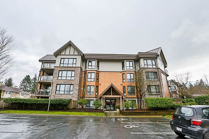 """Main Photo: 405 9970 148 Street in Surrey: Guildford Condo for sale in """"Highpoint Gardens"""" (North Surrey)  : MLS®# R2232964"""