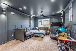 Photo 18: 27600 RAILCAR Crescent in Abbotsford: Aberdeen House for sale : MLS®# R2363166