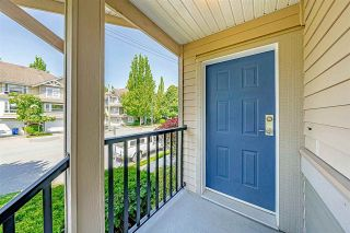 """Photo 4: 9 5388 201A Street in Langley: Langley City Townhouse for sale in """"The Courtyard"""" : MLS®# R2581749"""