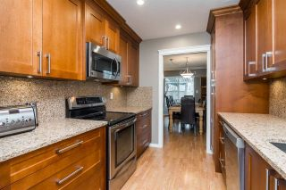 """Photo 2: 123 2460 156 Street in Surrey: King George Corridor Townhouse for sale in """"COUNTRY HOUSE ESTATES"""" (South Surrey White Rock)  : MLS®# R2248578"""