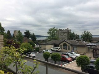 """Photo 2: 203 2408 HAYWOOD Avenue in West Vancouver: Dundarave Condo for sale in """"Regency Place"""" : MLS®# R2177585"""