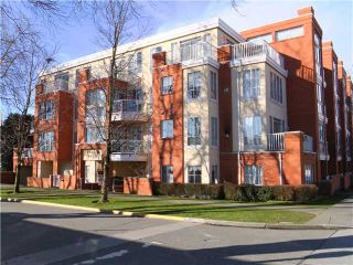 """Photo 1: # 303 3621 W 26TH AV in Vancouver: Dunbar Condo for sale in """"DUNBAR HOUSE"""" (Vancouver West)  : MLS®# V952567"""