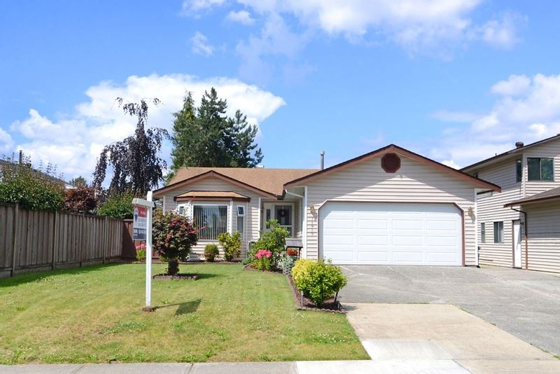 FEATURED LISTING: 11913 SENTINEL Street Maple Ridge