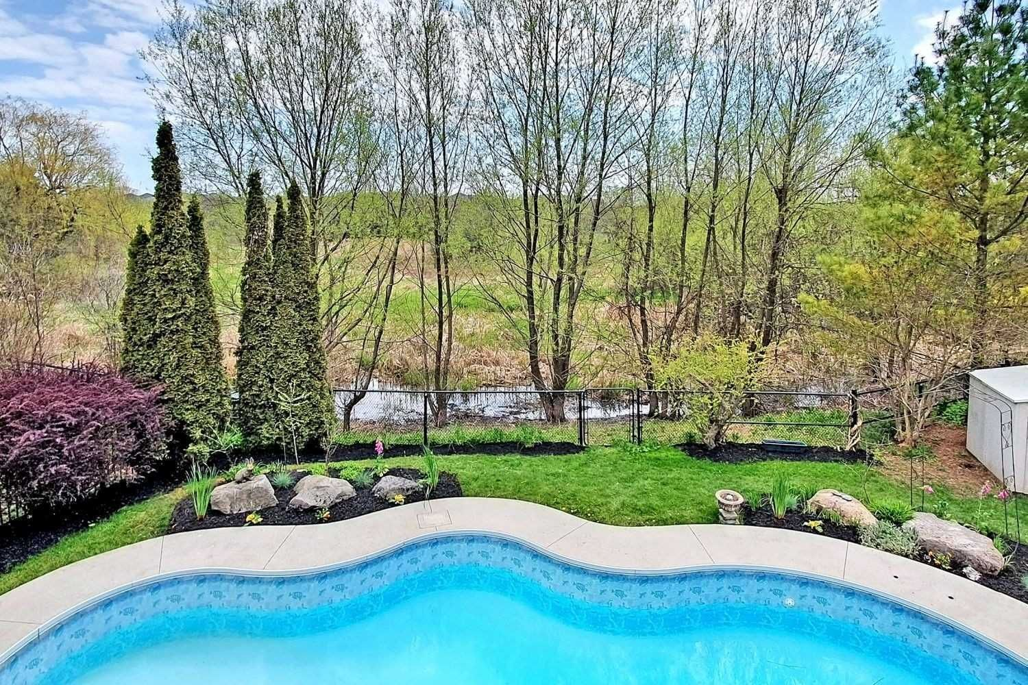 Main Photo: 38 Mackey Drive in Whitby: Lynde Creek House (2-Storey) for sale : MLS®# E4763412
