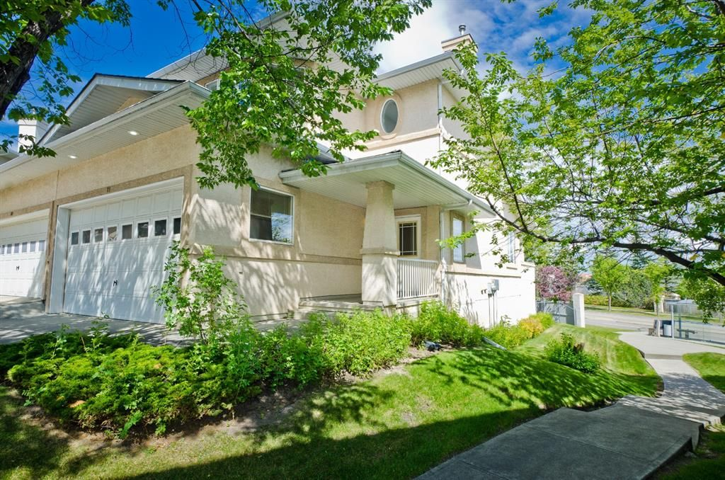 Main Photo: 71 EDGERIDGE Terrace NW in Calgary: Edgemont Duplex for sale : MLS®# A1022795