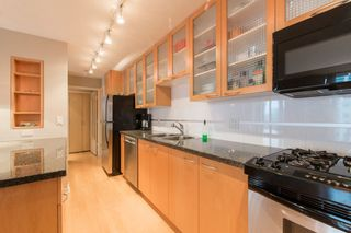 """Photo 8: 2603 969 RICHARDS Street in Vancouver: Downtown VW Condo for sale in """"Mondrian 2"""" (Vancouver West)  : MLS®# R2135133"""