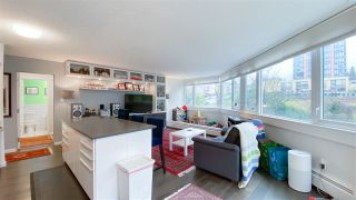 """Photo 8: 404 31 ELLIOT Street in New Westminster: Downtown NW Condo for sale in """"Royal Albert"""" : MLS®# R2535793"""
