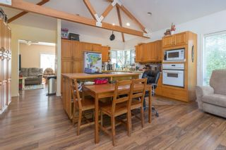Photo 11: 9320/9316 Lochside Dr in : NS Bazan Bay House for sale (North Saanich)  : MLS®# 886022