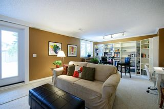 Photo 27: 30 448 Strathcona Drive SW in Calgary: Strathcona Park Row/Townhouse for sale : MLS®# A1062662