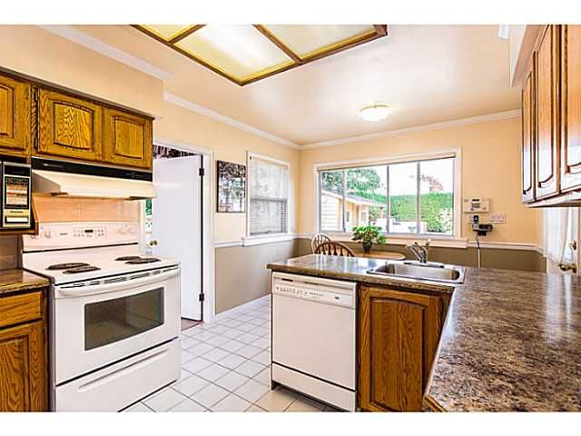 """Photo 5: Photos: 1063 SEVENTH Avenue in New Westminster: Moody Park House for sale in """"MOODY PARK"""" : MLS®# V1090839"""