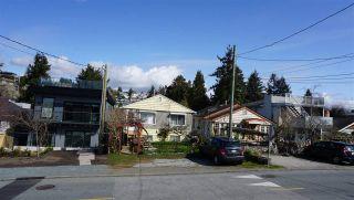 Photo 8: 15571 VICTORIA Avenue: White Rock House for sale (South Surrey White Rock)  : MLS®# R2570444