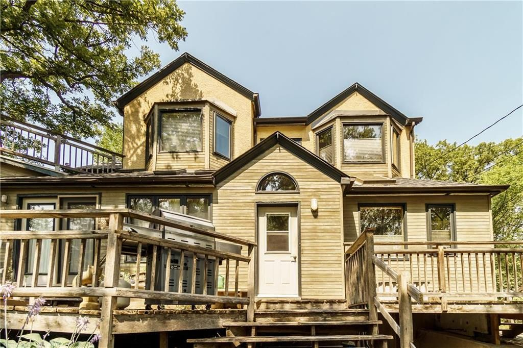 Photo 44: Photos: 906 North Drive in Winnipeg: East Fort Garry Residential for sale (1J)  : MLS®# 202116251
