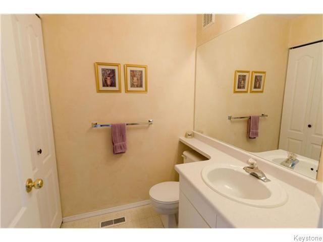 Photo 9: Photos: 650 Warde Avenue in Winnipeg: River Park South Condominium for sale (2F)  : MLS®# 1622113
