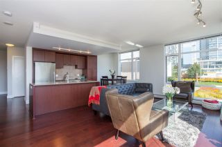 """Photo 4: 304 158 W 13TH Street in North Vancouver: Central Lonsdale Condo for sale in """"Vista Place"""" : MLS®# R2304505"""