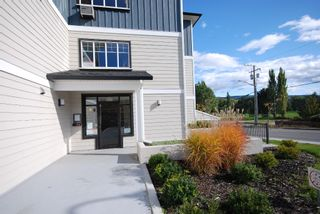 Photo 3: 205 10529 Powley Court in Lake Country: Lake Country East / Oyama House for sale (Central Okanagan)  : MLS®# 10036323