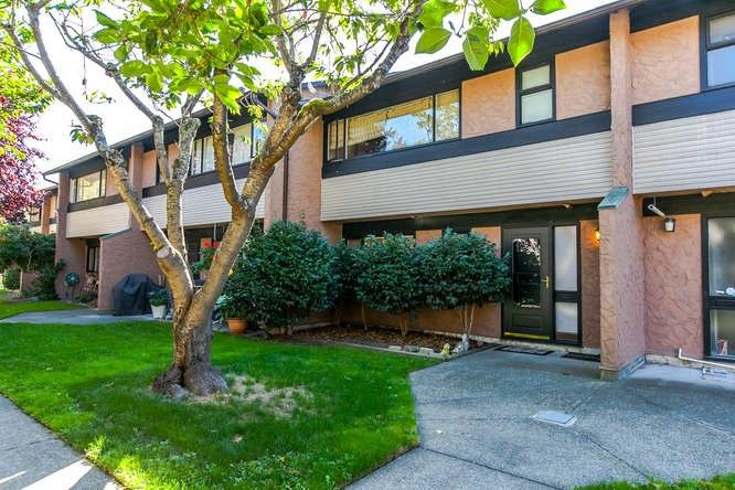 """Main Photo: 53 10071 SWINTON Crescent in Richmond: McNair Townhouse for sale in """"Edgemere Gardens"""" : MLS®# R2107814"""