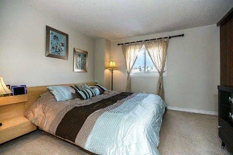 Photo 8: Photos: 14 Hillhurst Crest in Clarington: Courtice House (2-Storey) for sale : MLS®# E2817073