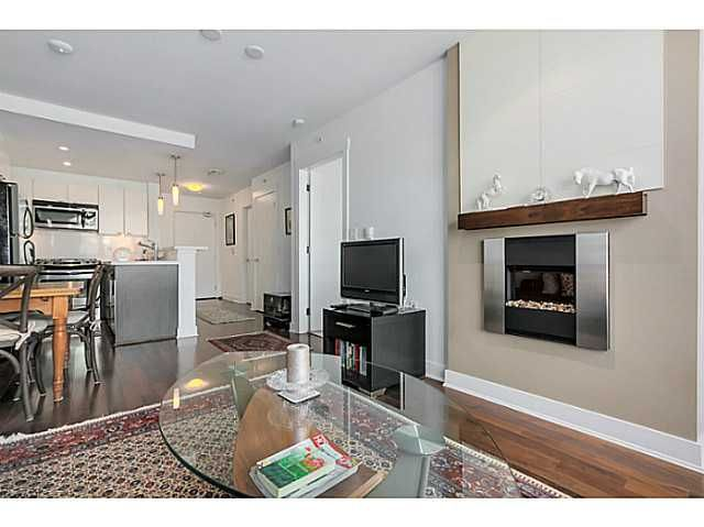"""Main Photo: 600 160 W 3RD Street in North Vancouver: Lower Lonsdale Condo for sale in """"ENVY"""" : MLS®# V1096056"""