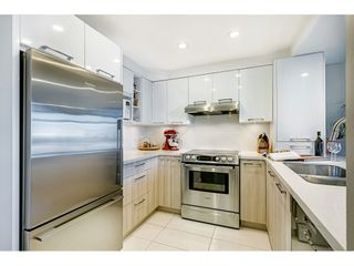 """Photo 12: 306 55 E 10TH Avenue in Vancouver: Mount Pleasant VE Condo for sale in """"Abbey Lane"""" (Vancouver East)  : MLS®# R2491184"""