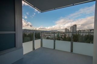 "Photo 14: 2308 3093 WINDSOR Gate in Coquitlam: New Horizons Condo for sale in ""THE WINDSOR BY POLYGON"" : MLS®# R2124649"