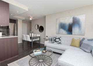 """Photo 4: 557 168 W 1ST Avenue in Vancouver: False Creek Condo for sale in """"WALL CENTRE FALSE CREEK WEST TOWER"""" (Vancouver West)  : MLS®# R2372215"""