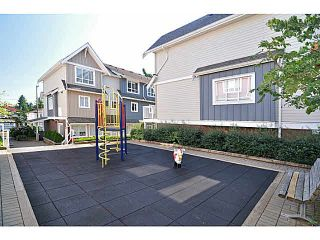 """Photo 4: 405 1661 FRASER Avenue in Port Coquitlam: Glenwood PQ Townhouse for sale in """"BRIMLEY MEWS"""" : MLS®# V1081063"""
