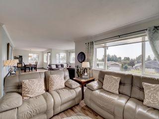 Photo 7: 6320 SAMRON Road in Sechelt: Sechelt District House for sale (Sunshine Coast)  : MLS®# R2614645