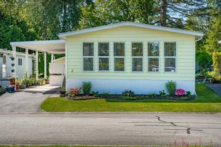 """Photo 2: 2 13507 81 Avenue in Surrey: Queen Mary Park Surrey Manufactured Home for sale in """"Park Boulevard Estates"""" : MLS®# R2460822"""