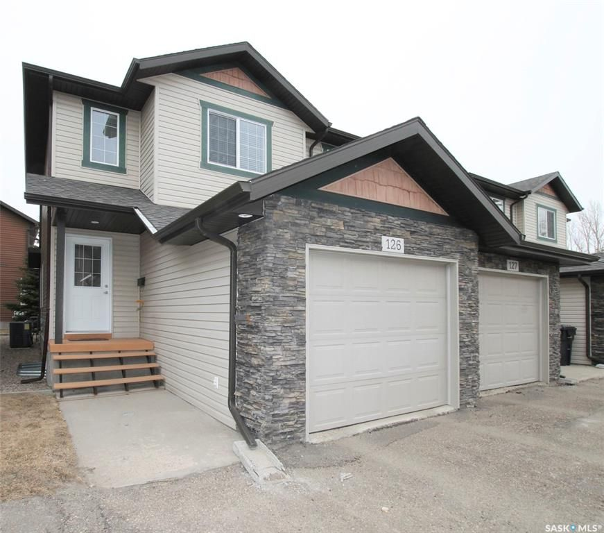 Main Photo: 126 503 Colonel Otter Drive in Swift Current: Highland Residential for sale : MLS®# SK846820