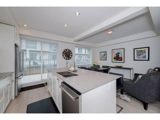 """Photo 3: 57 2825 159 Street in Surrey: Grandview Surrey Townhouse for sale in """"Greenway At The Southridge Club"""" (South Surrey White Rock)  : MLS®# R2259618"""